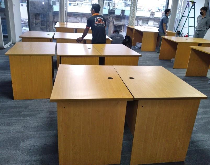 bàn ghế làm việc cũng tàu